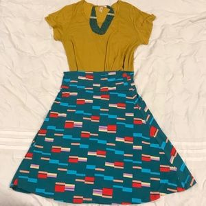 LULAROE OUTFIT (AZURE AND CLASSIC T)